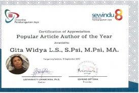 Gita W penghargaan popular author article of the year